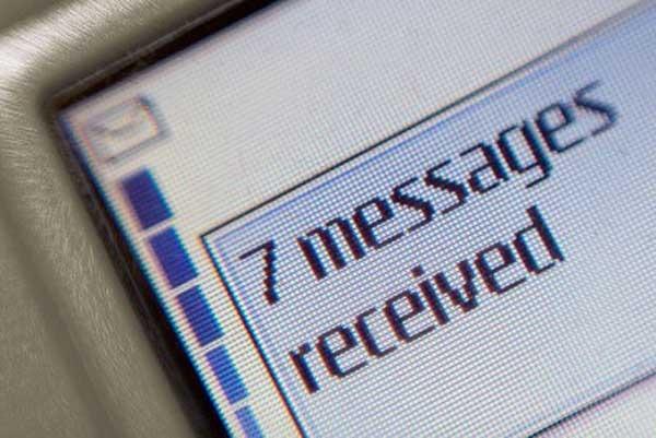 La guerra entre SMS y aplicaciones como WhatsApp continúa