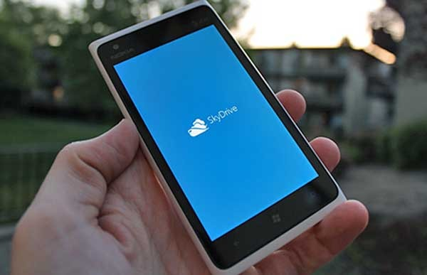 Cómo asegurar tus fotos y vídeos en un Nokia Lumia con SkyDrive