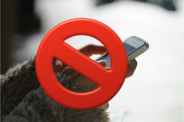 WhatsApp ya permite denunciar por spam un contacto o un grupo