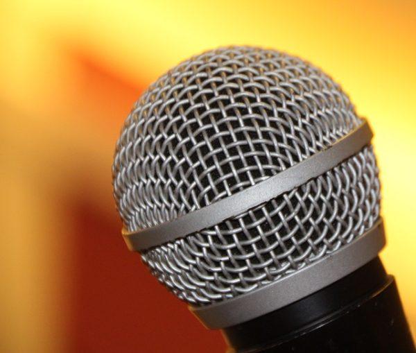 Las 5 mejores aplicaciones de karaoke para el móvil