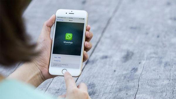 Cómo saber con quién hablan tus contactos de WhatsApp