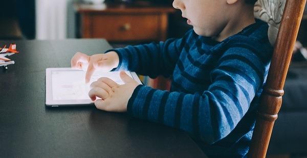 Cómo convertir un viejo móvil o tableta en un dispositivo para niños