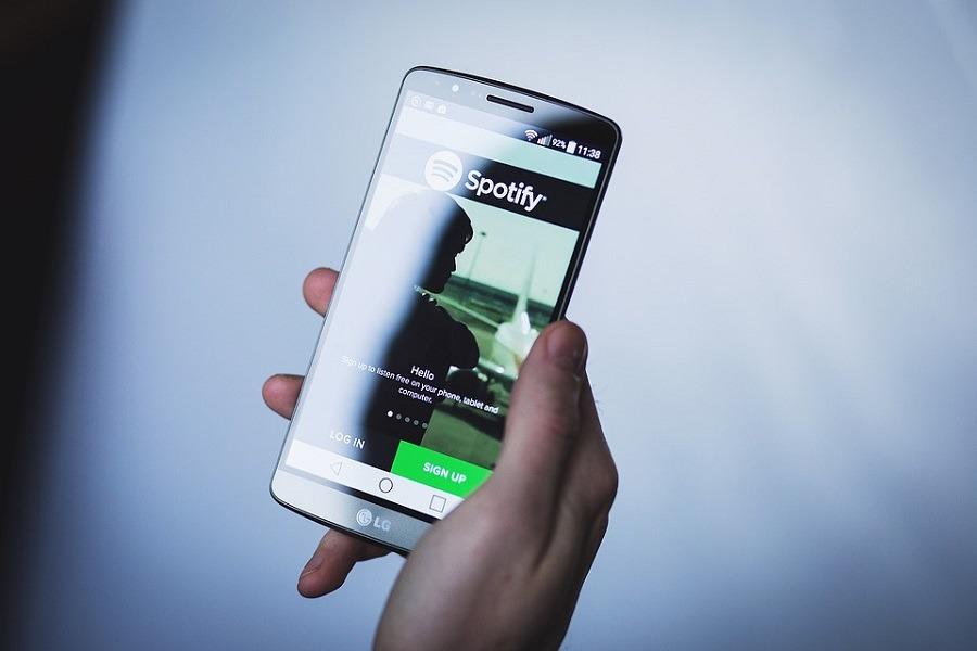 Spotify ya permite descargar hasta 10.000 canciones