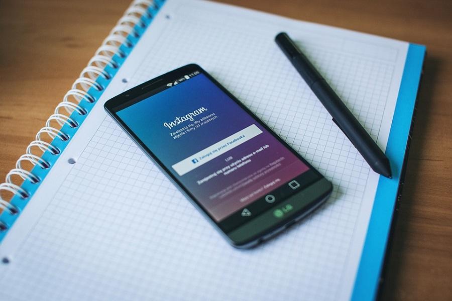 Instagram trabaja en una función para bloquear stories en otras regiones