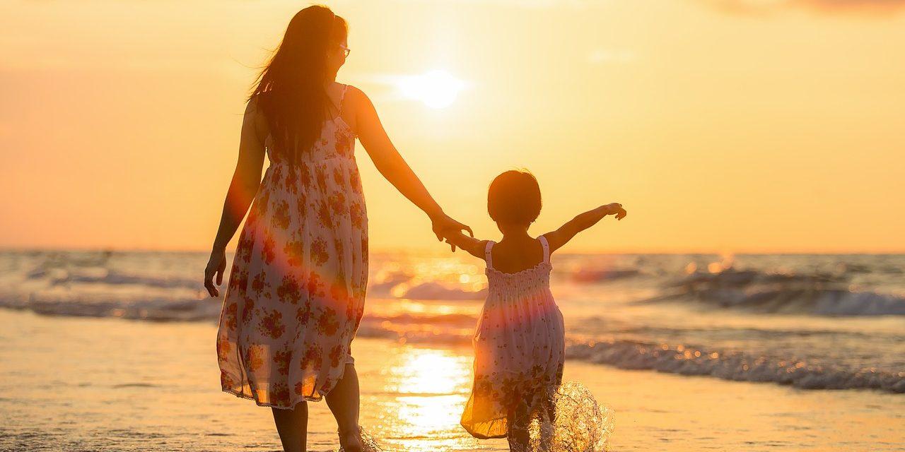 20 GIFs y memes para felicitar el Día de la Madre por WhatsApp o Facebook