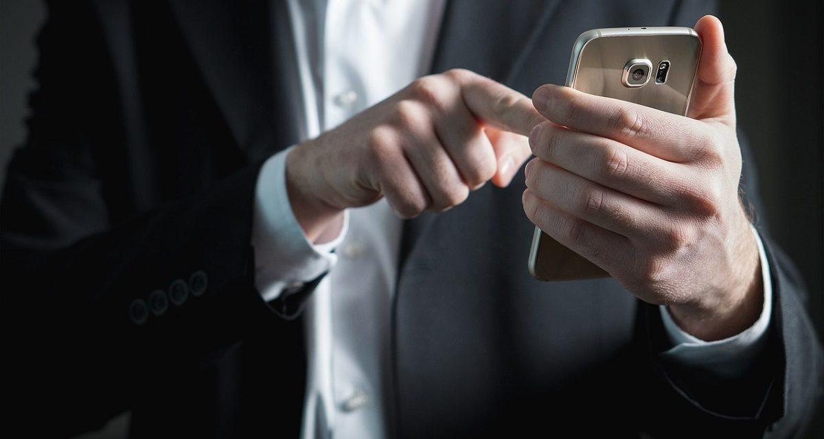 WhatsApp podría denunciarte por reenviar spam en tus chats