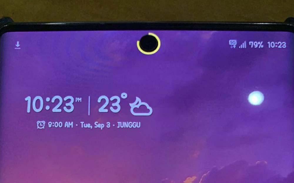 Cómo colocar un indicador de batería en la cámara selfie del Samsung Galaxy Note 10